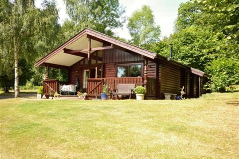 2 bedroom chalet to rent - The Grove, Harleyford Estate, Marlow, Buckinghamshire, SL7
