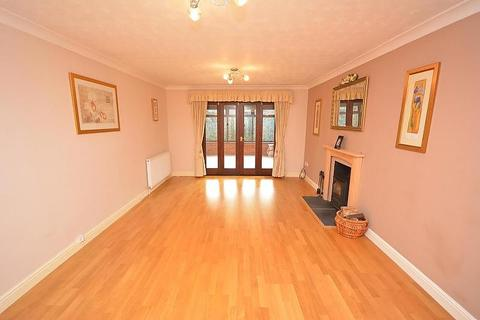 4 bedroom detached house to rent - Millson Bank, Chelmsford, Essex, CM2