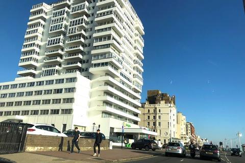1 bedroom apartment to rent - Bedford Towers, Kings Road, Brighton BN1 2JG