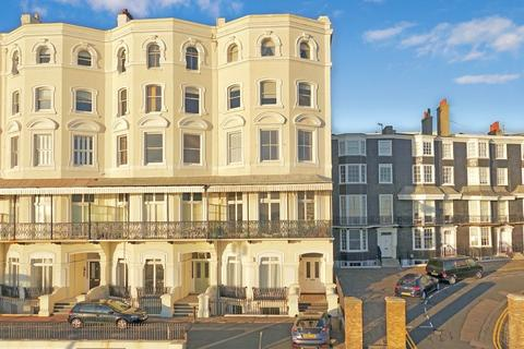 2 bedroom flat for sale - Marine Parade, Brighton, East Sussex, BN2