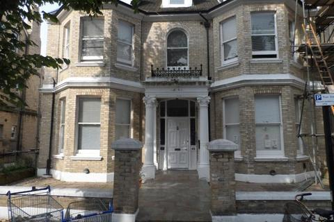 Studio to rent - St Aubyns, Hove, BN3