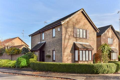 3 bedroom detached house to rent - Chaucer Road, Wellington Chase, Crowthorne