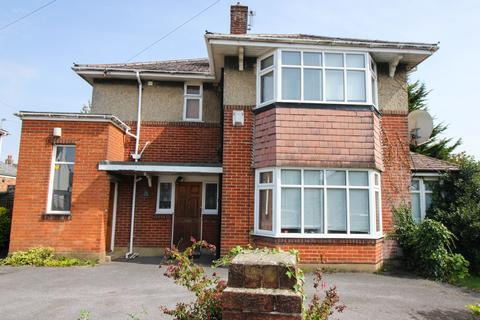 4 bedroom house to rent - Winton, Bournemouth BH9