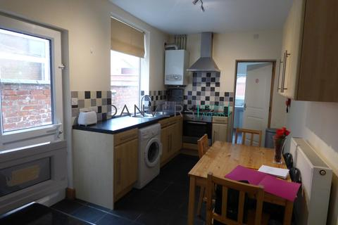 5 bedroom terraced house to rent - Paton Street, Leicester