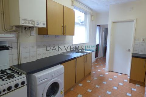 5 bedroom end of terrace house to rent - Beaconsfield Road, Leicester