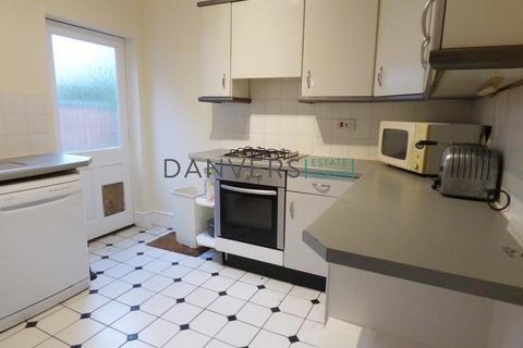 5 bedroom semi-detached house to rent - Victoria Park Road, Leicester