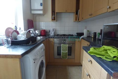 3 bedroom terraced house to rent - Grasmere Street, Leicester