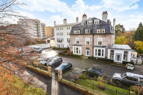 3 bedroom flat for sale - Victoria Road, Harrogate, HG2 0LJ