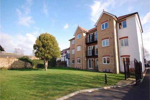 2 bedroom flat to rent - Hooper Court, Gresham Road, STAINES-UPON-THAMES, Surrey