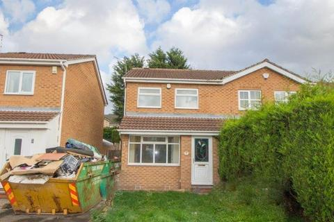 3 bedroom semi-detached house to rent - Camelot Avenue, Sherwood, Nottingham, NG5 1DW