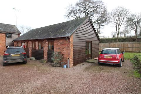 2 bedroom detached bungalow to rent - Barn End, Smallbrook Lodge, Clehonger, Hereford