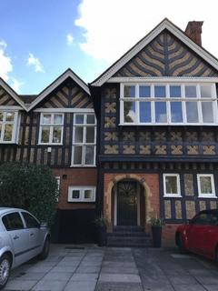3 bedroom apartment to rent - Links View Close, Stanmore