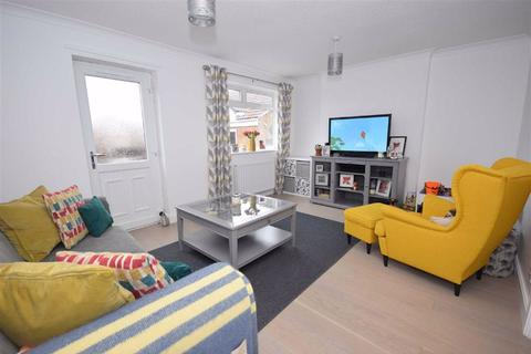 2 bedroom flat for sale - Mitchell Gardens, South Shields, South Shields