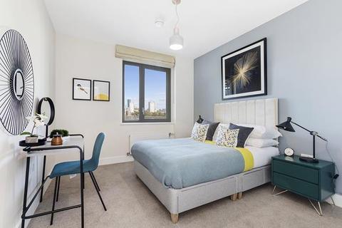 3 bedroom apartment for sale - 6.06 New Pier Wharf, Odessa Street, London, SE16 7LU