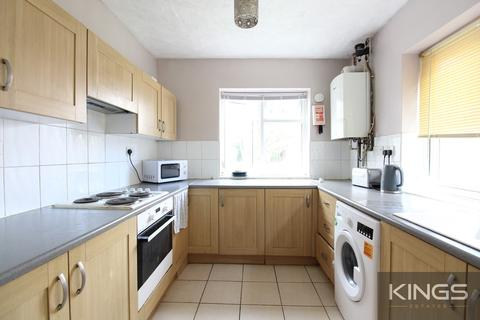 5 bedroom terraced house to rent - Avenue Road, Southampton