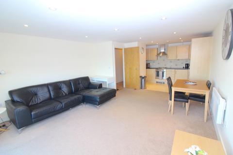 2 bedroom apartment to rent - 84 Altamar