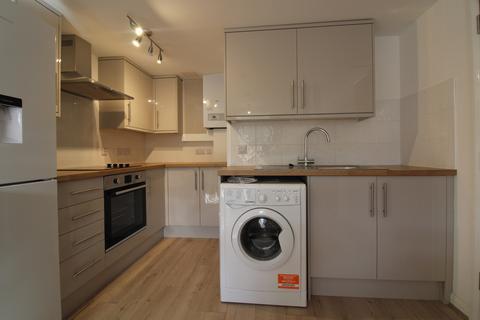 2 bedroom apartment to rent - Woodston, PE2