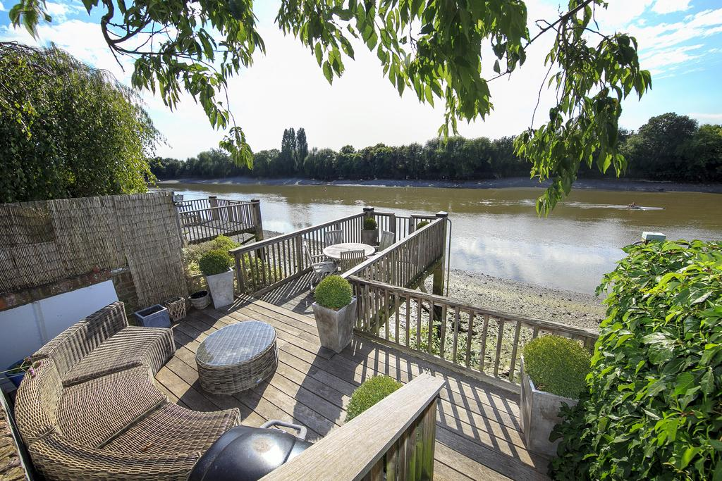 4 Bedrooms House for sale in Chiswick Staithe, Hartington Road, London