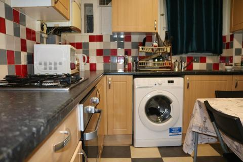 4 bedroom flat for sale - Cable Street, Shadwell, London, E1 0BZ