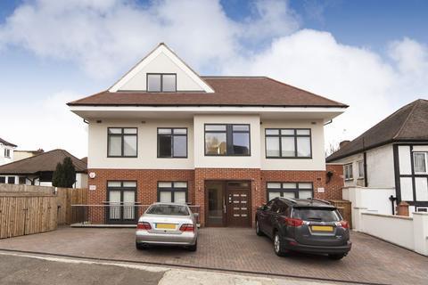 3 bedroom apartment to rent - 3 bedroom / 2 bathroom apartment to rent in Graham Road in Hendon