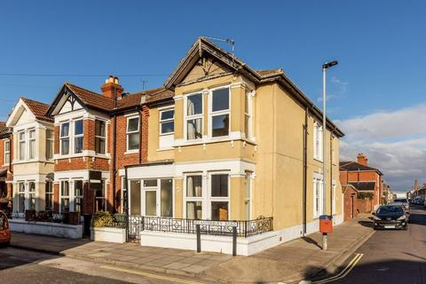 4 bedroom end of terrace house for sale - Canterbury Road, Southsea