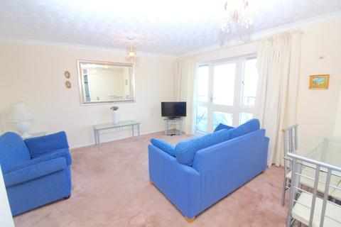 2 bedroom apartment to rent - 137 Empress House