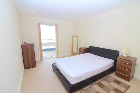 2 bedroom apartment to rent - 94 Meridian Bay