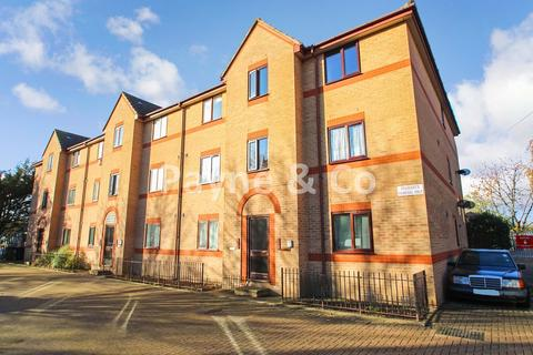 1 bedroom flat for sale - Longbridge Road, BARKING, IG11