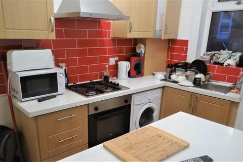 3 bedroom house to rent - Autumn Street, Leeds