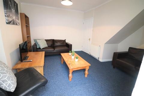 4 bedroom end of terrace house to rent - Herbert Road, Oldfield Park, Bath