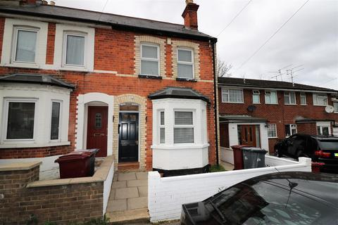 3 bedroom terraced house for sale - Beecham Road, Reading
