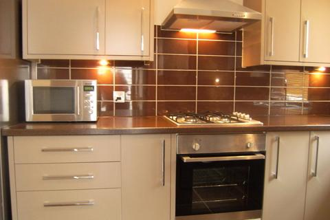 7 bedroom terraced house to rent - 30 Highfield Place - STUDENT PROPERTY