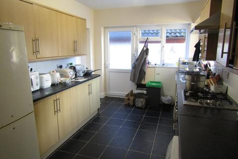 6 bedroom semi-detached house to rent - Ripstone Gardens
