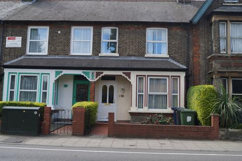 3 bedroom terraced house to rent - Cherry Hinton Road, CB1