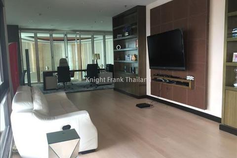 4 bedroom block of apartments  - Sukhumvit 569 sqm very luxurious unit from Millennium Residence
