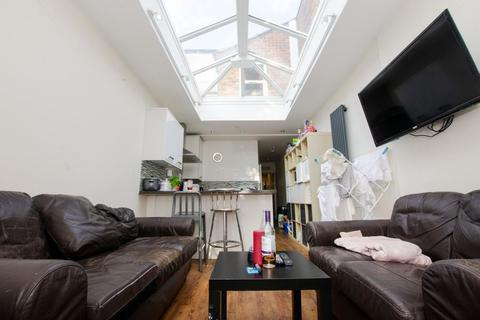 7 bedroom terraced house to rent - Tiverton Road