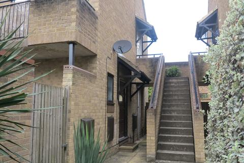 Studio to rent - Maiden Place, Lower Earley, Reading, RG6 3HE