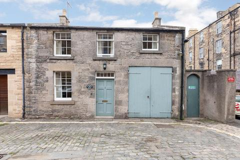 3 bedroom house to rent - Gifford Mews, Northumberland St NW Lane, New Town, Edinburgh