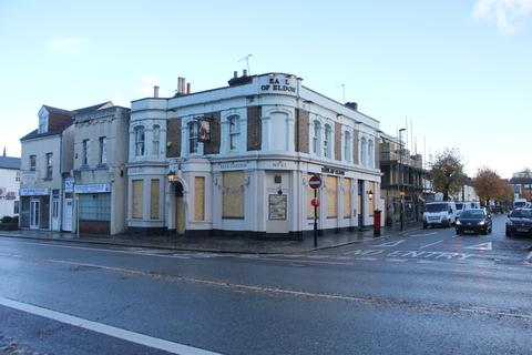 Pub to rent -  63 Brighton Road, South Croydon, Surrey CR2