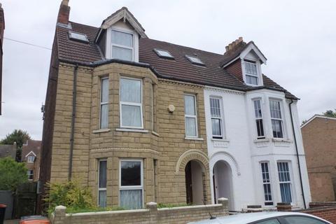 6 bedroom semi-detached house to rent - Spenser Road, BEDFORD MK40