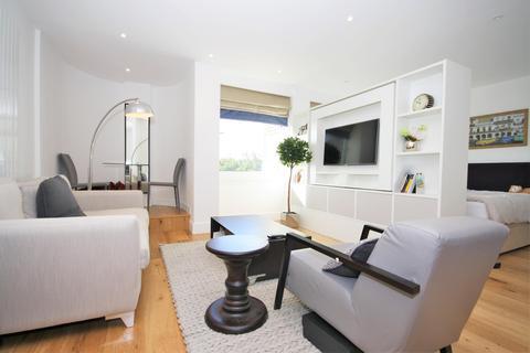 Studio to rent - Molesworth Street, Lewisham, London
