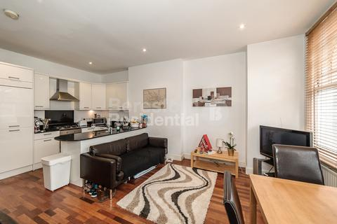 2 bedroom flat to rent - Elmbourne Road, Balham