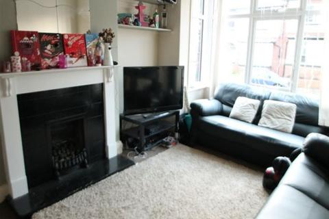 4 bedroom terraced house to rent - Estcourt Avenue, Headingley, Leeds, LS6 3ET