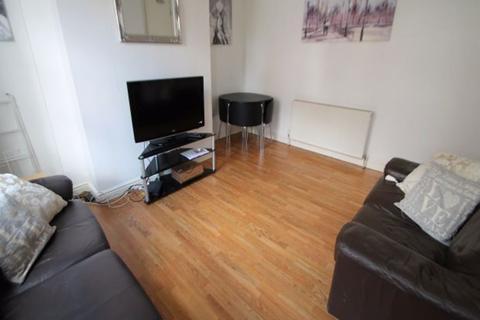 4 bedroom terraced house to rent - Pennington Grove, Leeds, LS6 2JL