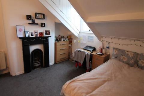 3 bedroom terraced house to rent - Woodlsey Road, Hyde Park, Leeds, LS3 1DU