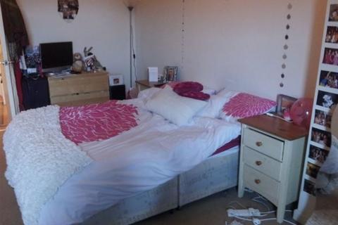 2 bedroom flat to rent - Dene House Court, Leeds, LS2 9BS
