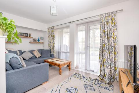 2 bedroom flat for sale - Parkhurst Road, Holloway