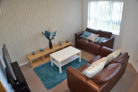 3 bedroom apartment to rent - Princess Gardens, Liverpool, L3