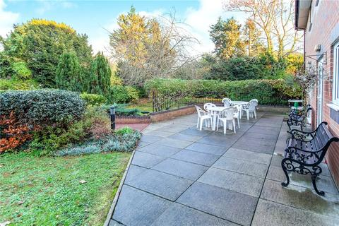 1 bedroom apartment for sale - Beech Lodge, Farm Close, Staines-upon-Thames, Surrey, TW18