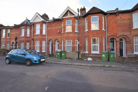 4 bedroom terraced house to rent - Thackeray Road, Southampton, SO17 2GS